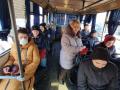 Толпа людей и без масок: Как киевляне ездят в общественном транспорте
