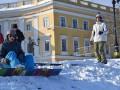 Одесситы спускаются на сноуборде с Потемкинской лестницы