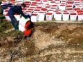 В России сожгли несколько тонн конфискованной красной икры