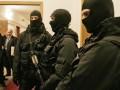 В Горловке вооруженные люди в поисках бюллетеней  ворвались в школу