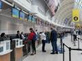 Из Канады спецрейсом возвращаются домой 274 украинца
