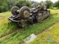 Смертельное ДТП на Закарпатье: грузовик съехал в кювет и перевернулся
