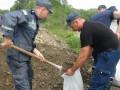У Ивано-Франковска дожди повредили дамбу, могут быть подтоплены дома