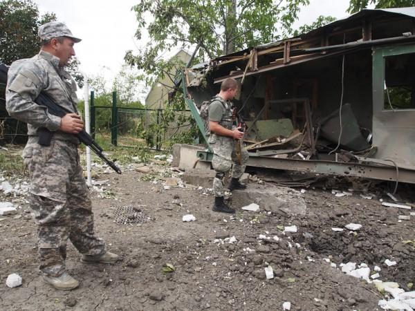 Жители Донецка жалуются представителям ОБСЕ на боевиков