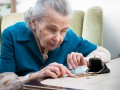 У пенсионеров временно не будут отбирать субсидию за долги