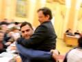 В стиле Барны: заместителя Саакашвили на руках вынесли из зала заседаний