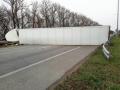 На трассе Киев-Чоп перевернувшаяся фура полностью перекрыла дорогу