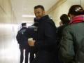Навального снова задержали, теперь в офисе