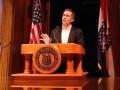 В США из-за секс-скандала подал в отставку губернатор