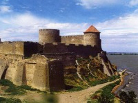 С Аккерманской крепости упал пенсионер