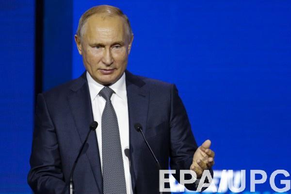 """Путин решил снова """"спасать"""" украинцев гражданством"""