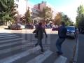 В Киеве облили нечистотами чиновника экоинспекции