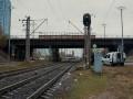 В Киеве электричка сбила перебегавшую пути женщину