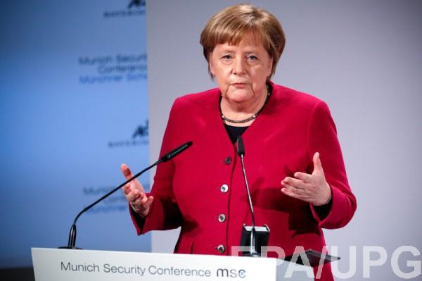 Меркель обеспокоена реакцией США по Северному потоку-2