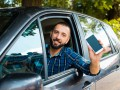 В Украине решили бороться с нелегальными службами такси: Подробности