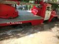 В Харькове пожарная машина провалилась под землю