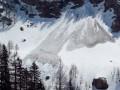В Карпатах метр снега: спасатели предупредили о лавинной опасности