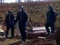 В сети показали похороны умершей от коронавируса роженицы на Прикарпатье