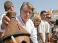Ющенко ушел к пчелам: чем занимается на пенсии экс-президент