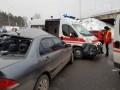 Под Киевом столкнулись автобус с пограничниками, скорая и легковушка