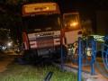 В Киеве фура вылетела с трамвайных путей в забор