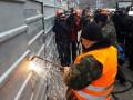 В Киеве начали демонтаж надстройки над Домом профсоюзов