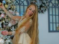 Одесская Рапунцель отростила косу длиной почти два метра