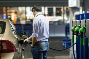 Цена бензина может снизиться на 3-5 гривен за литр - АМКУ