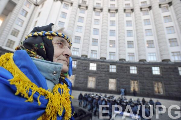 Транши МВФ помогают экономике Украины выстоять, но увеличивают госдолг