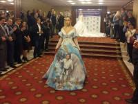 В Москве представили платье с фотографией Путина