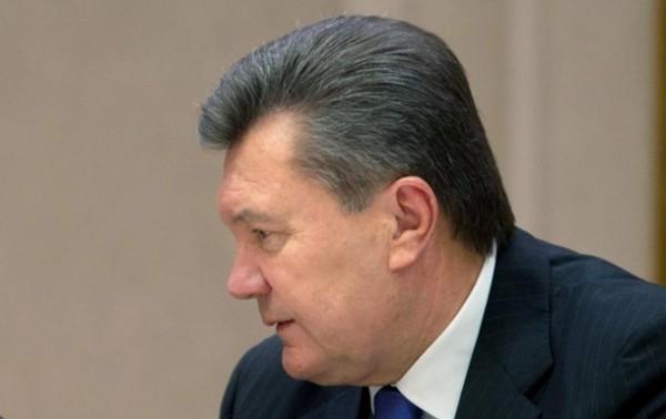 Янукович предложил Яценюку провести круглый стол
