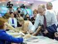 Выборы 2014: Арсений Яценюк проголосовал (ВИДЕО)