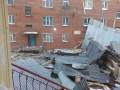 Сильный ураган в России сорвал крышу с пятиэтажного дома