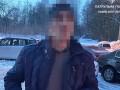 Во Львове вор, убегая от полиции, закопался в снегу