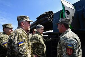 Порошенко показали финальные испытания ракет Ольха