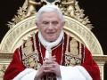 Бенедикт XVI отрекается от престола из-за гей-скандала в Ватикане - итальянские СМИ