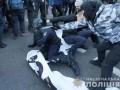 В столкновениях под Радой пострадали 23 полицейских