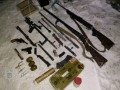 В Сумской области у троих жителей изъяли арсенал оружия и наркотики