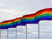 В Киеве люди вышли на протест против лесбийской конференции