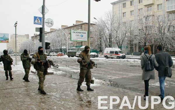 Жители Луганска решают вопрос, на кого оставить свое жилье и рабочее место