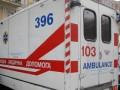 В Виннице в торговом центре со второго этажа упал 24-летний юноша