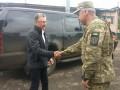 На Донбассе Волкер встретился с командующим ООС