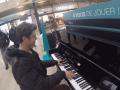 Гимн Украины на парижском вокзале растрогал пользователей сети