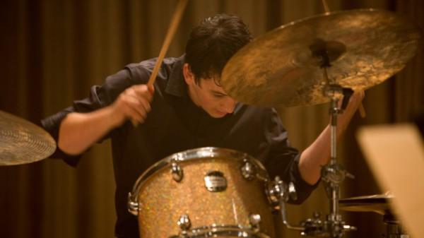 """Во время съемок игры на барабанах режиссер специально не кричал """"Снято!"""", чтобы Майлз Теллер выложился на полную."""