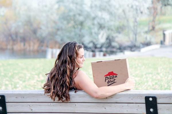 Фотопроект девушки, которая уверена, что пицца надежнее мужчин