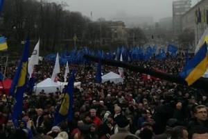 По разным оценкам, в акции участвуют около 50 тысяч человек