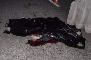 Под Киевом автомобиль сбил военного насмерть