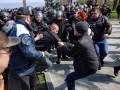 Вон из Одессы, бандеровские бесы: митинг в Одессе перерос в потасовку