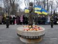 В Киеве более трех тысяч человек почтили память жертв Голодомора