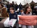 В Великобритании прошли акции протестов против налога на спальни